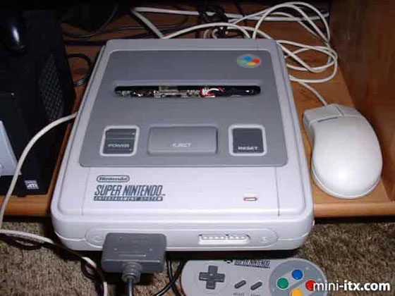 Компьютер, встроенный в приставку Super Nintendo. И такое бывает в нашем мире.