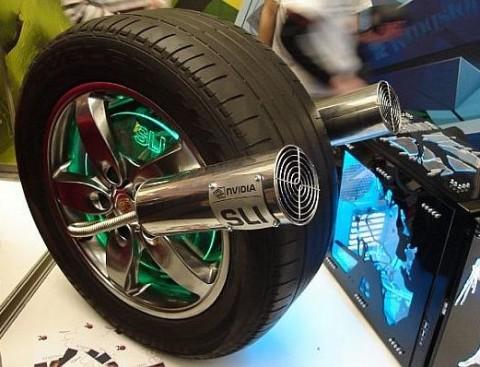 Выглядит модификация колеса от авто довольно эффектно. Трудно поверить в то, что внутри компьютер!