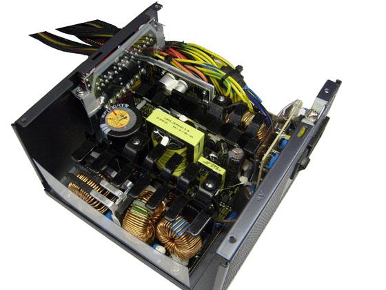 Внутренности Antec TruePower 750 Blue