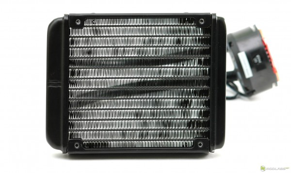 ID-Cooling FrostFlow 120L