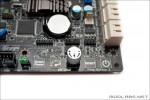Сенсорные кнопки для включения, перезагрузки и разгона  MSI 890FXA-GD70