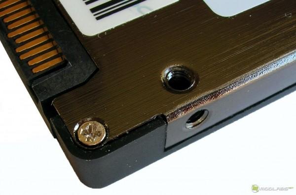 OCZ Vertex3 SSD - mounting holes
