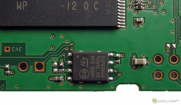 ST Microelectronics M25P80 SPI-flash