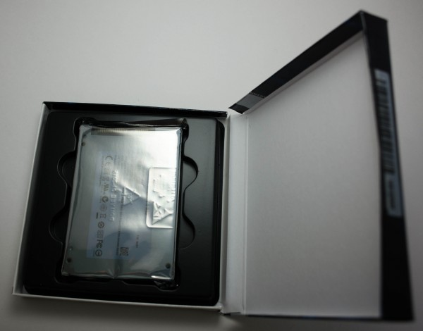 Crucial MX200 250 ГБ - коробка вскрыта