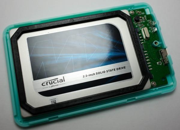 Crucial MX200 250 ГБ - установлен в контейнер USB