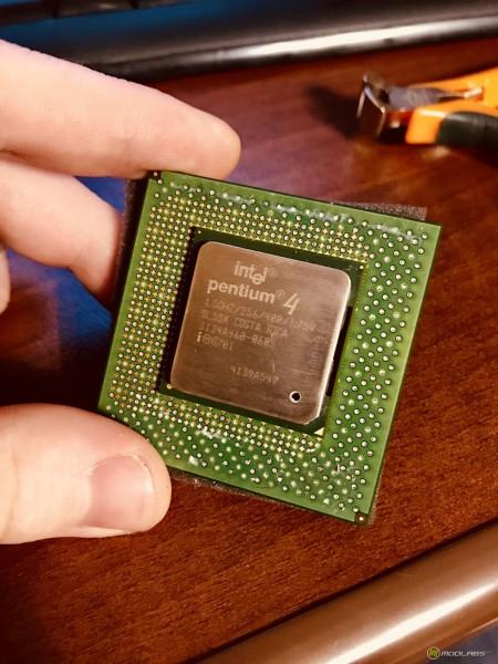 Процессор Intel Pentium 4 1500 МГц на ядре Willamette (S423)