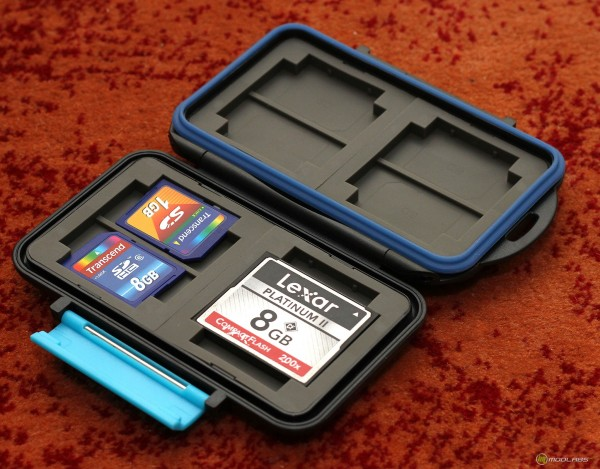 PNY Professional Memory Card Holder