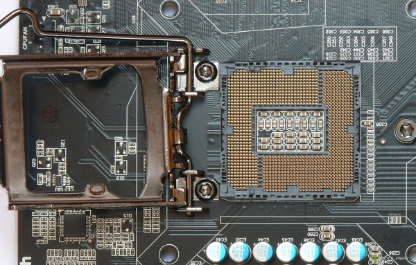 Обзор Sapphire Pure Black P67 Hydra - открытый сокет LGA1155