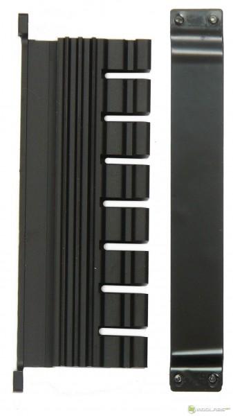 Обзор Sapphire Pure Black P67 Hydra - радиатор системы питания процессора и его крепеж (backplate)