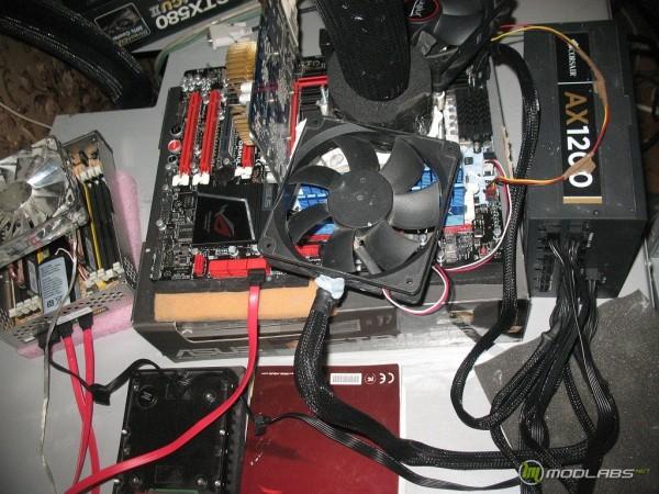 Asus Crosshair V Formula + AMD Phenom II X2 565 @cascade