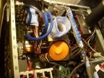 Собранная в корпусе InWin X710 система и стакан для азота на CPU