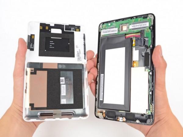Планшет Google Nexus 7 в разобранном виде
