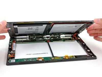 Разобранный планшет Microsoft Surface RT