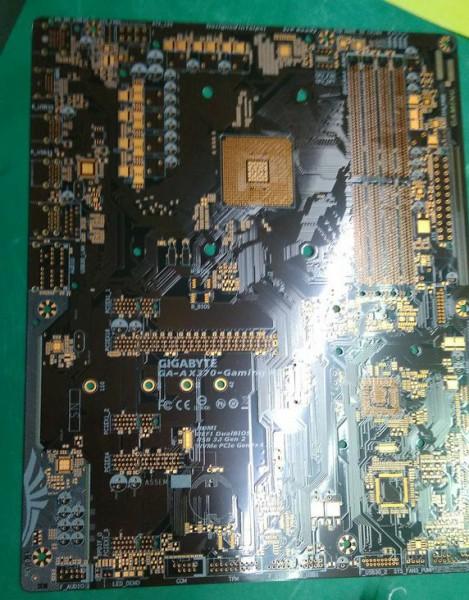 Gigabyte AX370-Gaming X