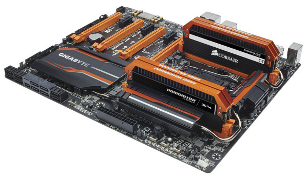 Dominator Platinum Series DDR4 3400MHz 16GB