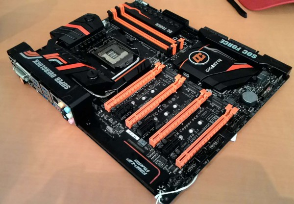 Gigabyte Z170-SOC Force