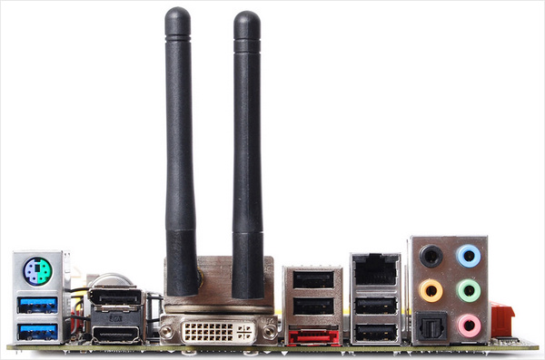 Материнская плата ZOTAC H67-ITX WiFi