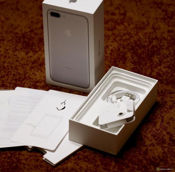 iPhone 7 Plus коробка и наушники